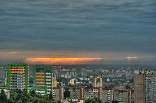 city morning sky sun clouds sunrise nikon kiev kyiv киев hdr утро город солнце d90 облака київ рассвет тучи 55300 cloudsstormssunsetssunrises nikkor55300