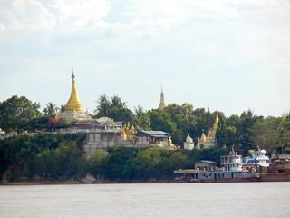 Malika Ferry - nearing Mandalay 1
