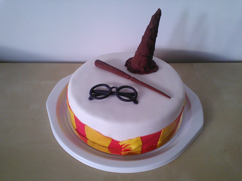 harry potter torta 2 harry potter cake 2 a photo on. Black Bedroom Furniture Sets. Home Design Ideas