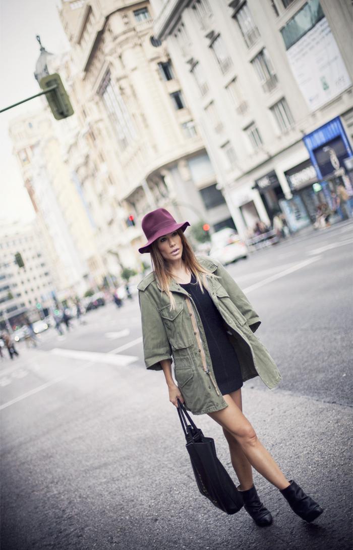 street style barbara crespo bordeaux hat C&A outfit gran via madrid