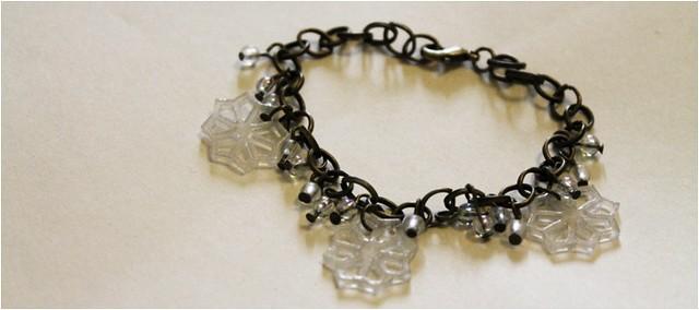 diy snowflake charm bracelet 1