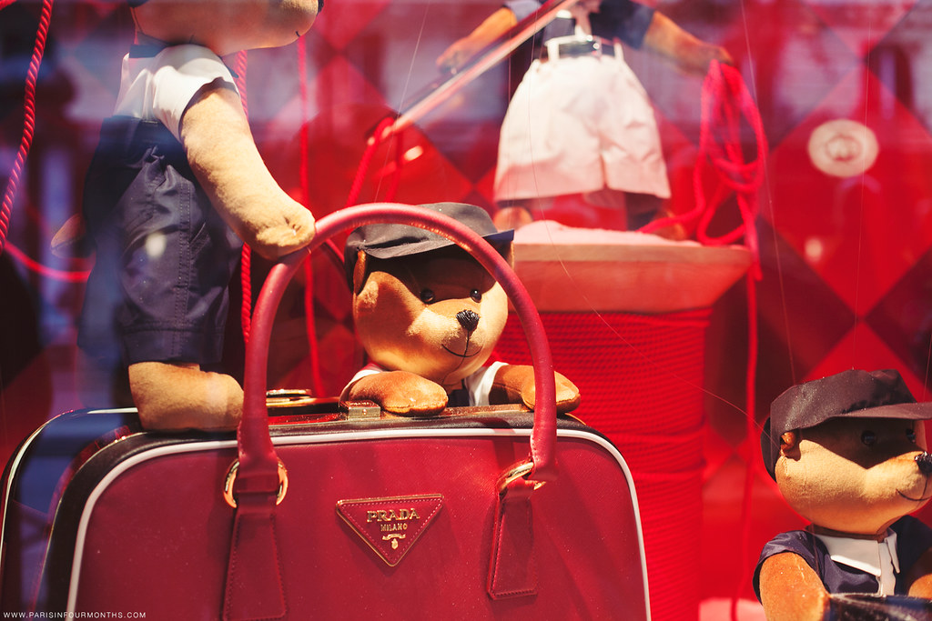Christmas Display Windows at Printemps