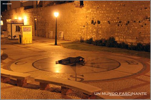 Brujula en ciudad de Faro. Portugal.