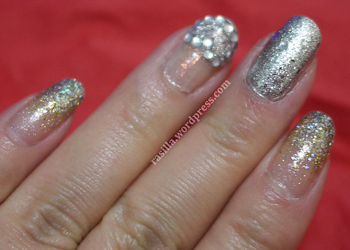 Holiday Nails Silver Smash