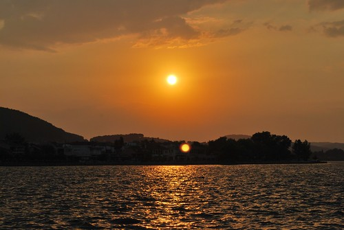 Ioannina : Sunset on Pamvotis lake