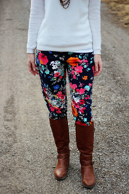 floral-pants---sweater-4