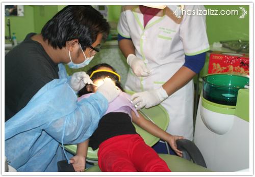 13198844923 75cd9549e7 o kisah abang dan adik Jumpa doktor gigi