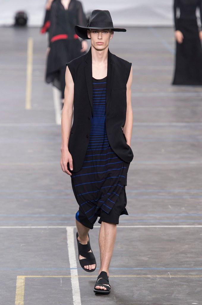 Marc Schulze3281_SS16 Paris Y-3(fashionising.com)