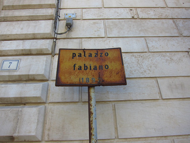 Palazzo Fabiano - Can we get a new sign please!?