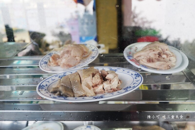 好吃雞肉飯【新北市好吃雞肉飯】三重在地人才知道的美食,五華街好吃雞肉飯,超推薦!雞油飯、雞肉飯便當,記得切一盤雞肉啦!