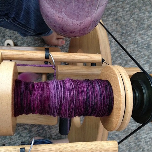Spinning matches my kefir smoothie!  Ohemgee this wheel is so fun to spin on!!
