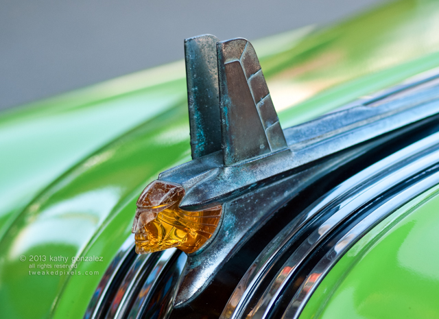 1953 pontiac hood ornament