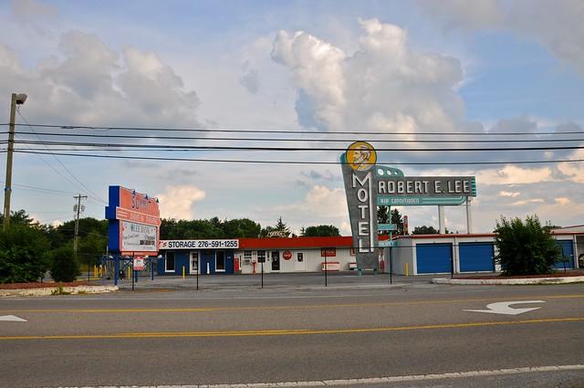 Robert E Lee Motel Sign - RC's Storage Bristol VA