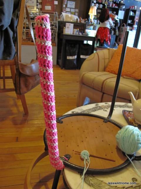 starting-the-chair-yarn-bomb-at-InsaniTea