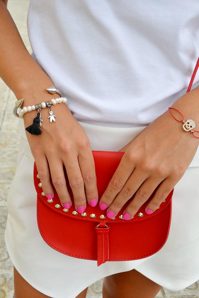 blanco y rojo