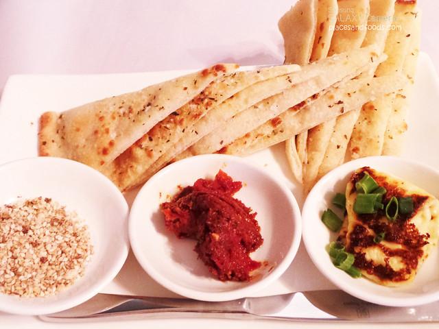 good life modern pizza turkish bread