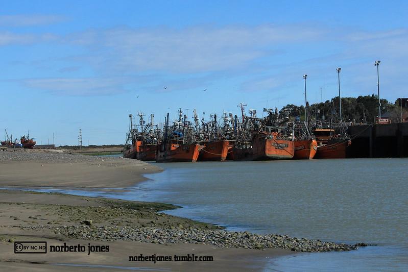Puerto Rawson-escollera sur