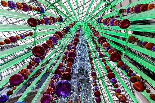 The ornament tunnel of an Eaton Centre Christmas - #333/365