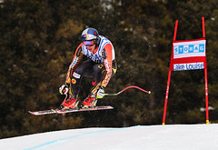 Erik Guay sails to an 8th place finish in the downhill at the FIS Alpine World Cup in Lake Louise, CAN