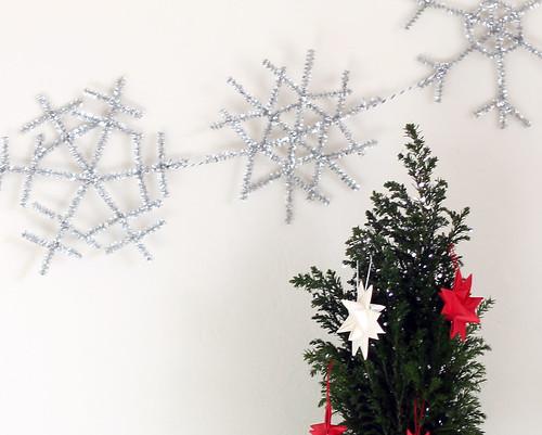 diy snowflake garland | www.vitaminihandmade.com