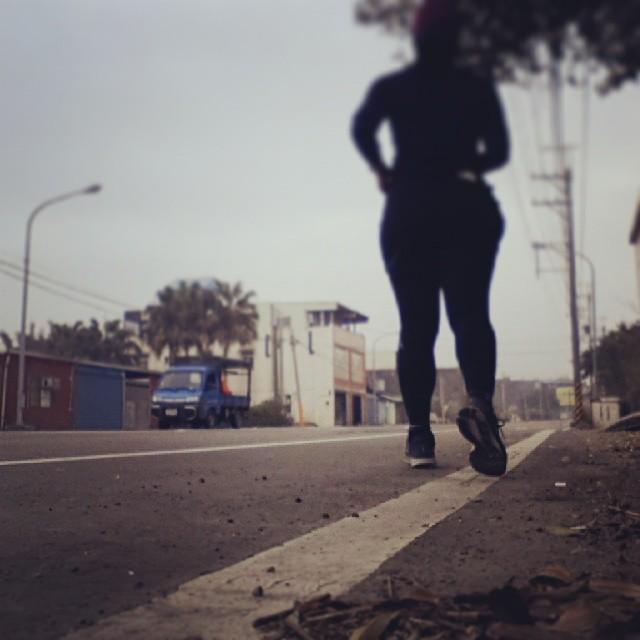 20140226 不管路多長 坡多陡 始終都是我腳下的路。  #有跑步沒在怕的