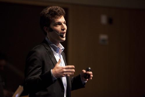 Horowitz (PolicyMic). ISOJ 2014. Journalism Star Startups.