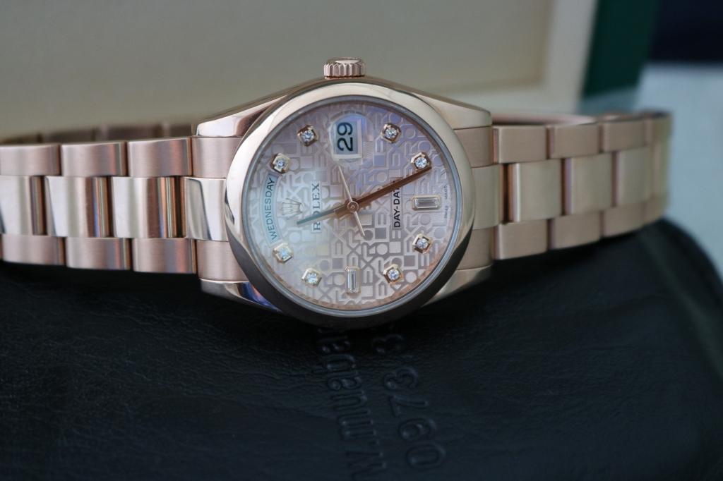 Đồng hồ rolex day date 6 số 118205 – Vàng hồng 18k – Mặt vi tính – size 36