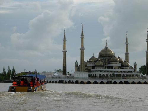 Tour boast near Crystal Mosque Terengganu