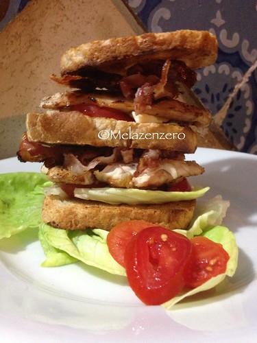 sandwich di pollo grigliato al barbecue