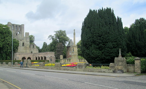 Kelso Abbey + War Memorial