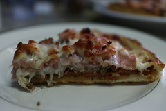 pastitsio(0.0), meal(1.0), breakfast(1.0), italian food(1.0), pizza(1.0), baked goods(1.0), zwiebelkuchen(1.0), food(1.0), dish(1.0), dessert(1.0), cuisine(1.0), quiche(1.0),