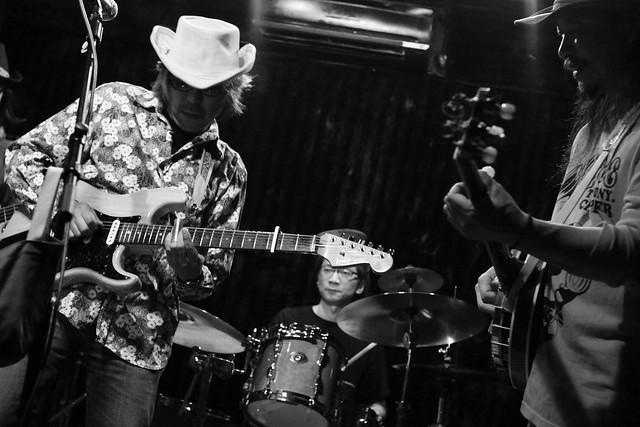 ハル宮沢コスモポリタンカウボーイズ Cosmopolitan Cowboys live at 'aja', Tokyo, 04 Nov 2013. 250