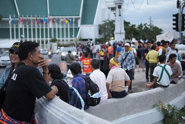 20131108 ปั่นจักรยานผ่านประชาธิปไตย