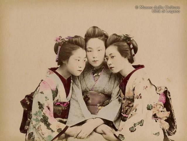 Kusakabe Kimbei, Three young maiko, ca. 1890.