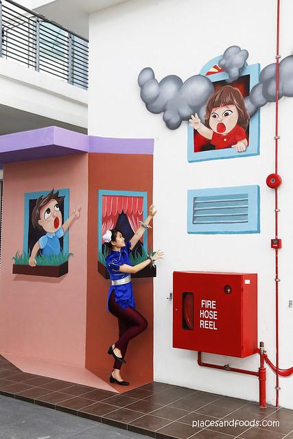 atmosphere chun li save girl