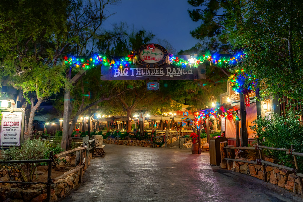 Ho Ho Howdy! (Big Thunder Ranch)
