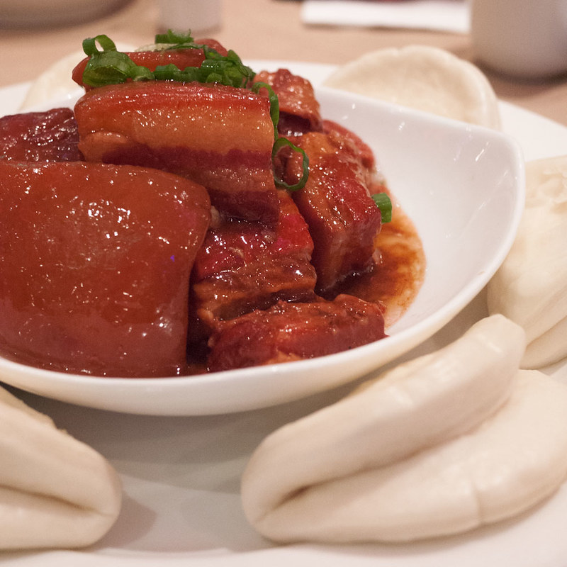Tung Pao Meat with Steamed Buns (東坡肉夾餅 @ Soluxe