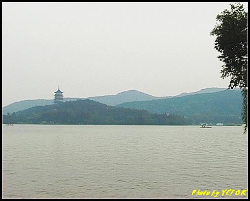 杭州 西湖 (其他景點) - 287 (在西湖十景之 蘇堤 看西裡湖及西湖十景之 雷風塔)