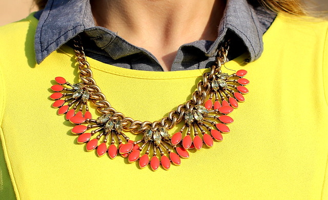 Stella Dot Coral Cay Necklace
