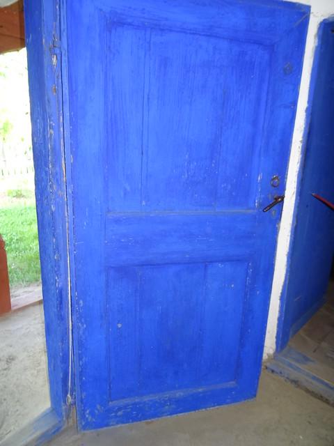 usa de albastru
