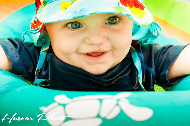 i play sun hat review in_the_know_mom cloth swim diaper