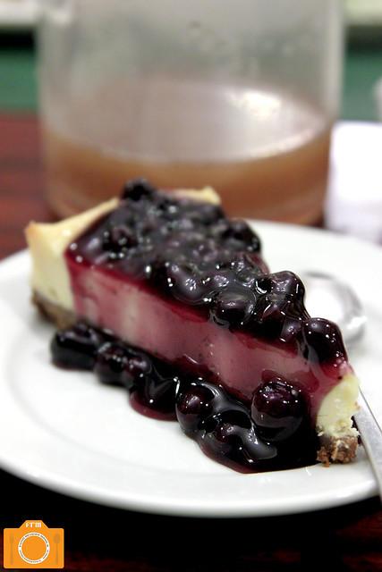 Mama Lou's Cheesecake