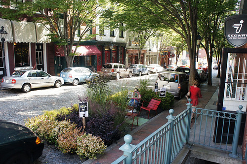 Park(ing) Day, Richmond VA (by: Boenau, creative commons)