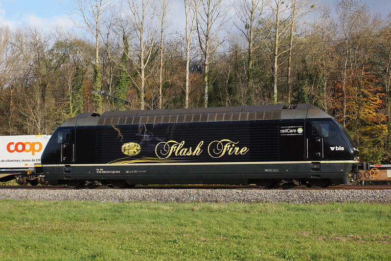 """2013-11-14, CFF/BLS/RLC, Vufflens-la-Ville, Re 465 018 """"Flash Fire"""""""