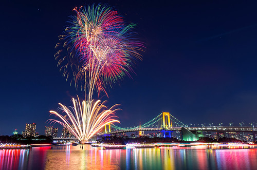 city longexposure nightphotography japan night landscape tokyo cityscape nightscape nightshot pentax fireworks 東京 odaiba nightview 夜景 tokyobay rainbowbridge k5 お台場 花火 レインボーブリッジ 東京湾 pentaxk5 お台場レインボー花火