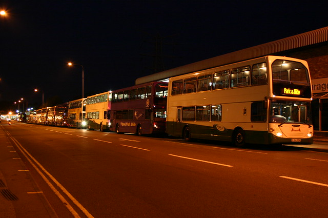 Ipswich Buses West End Road-Neil Diamond P&R 260505-2