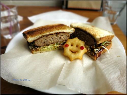 Photo:2013-12-04_ハンバーガーログブック_【高円寺】Baby King Kitchen お子様ランチカフェでハンバーグサンドを頂いてみました-01 By:logtaka