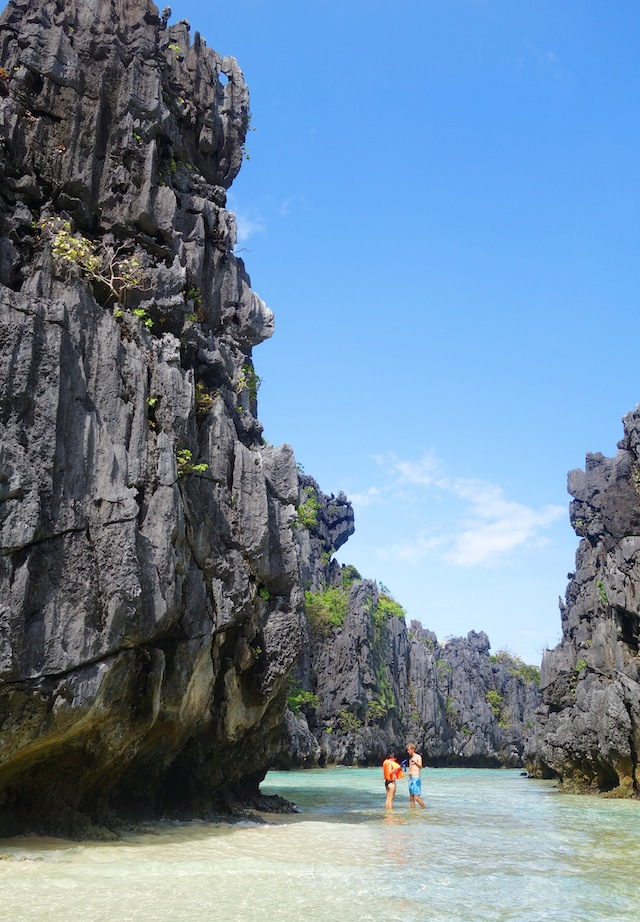 El Nido Palawan island hopping Hidden Beach entrance