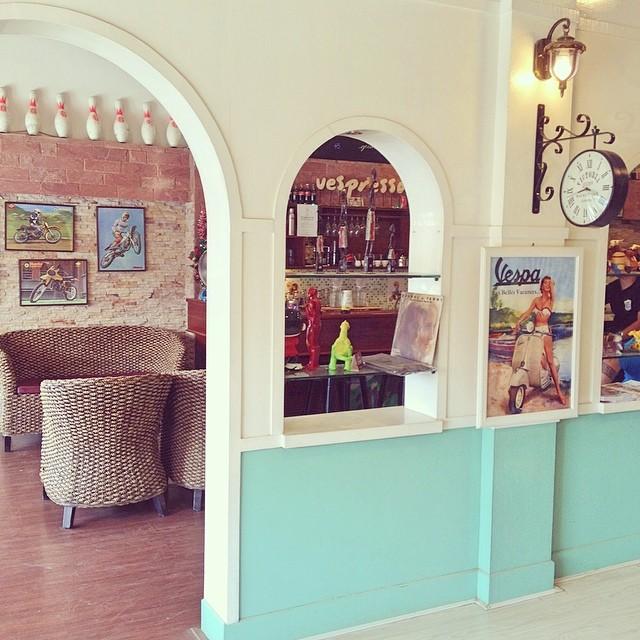 Link to photo of Vespresso Cafe on Flickr.