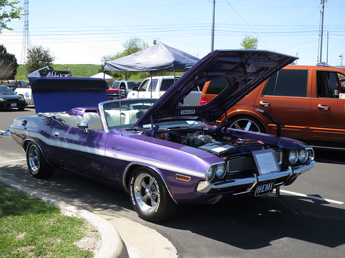 1970 Plum Crazy Dodge Challenger